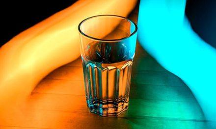 Melem za vaše zdravlje: Čaša slane tople vode svako jutro uklanja otrove iz tijela!
